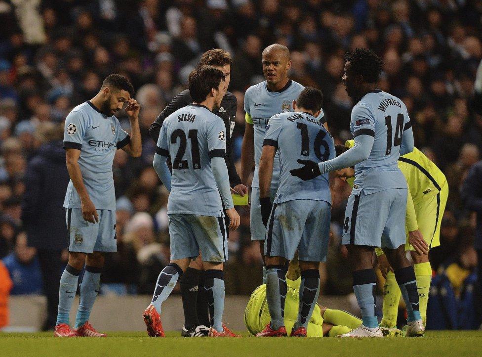 صور : مباراة مانشستر سيتي - برشلونة 1-2 ( 24-02-2015 )  1424809639_812275_1424814384_album_grande