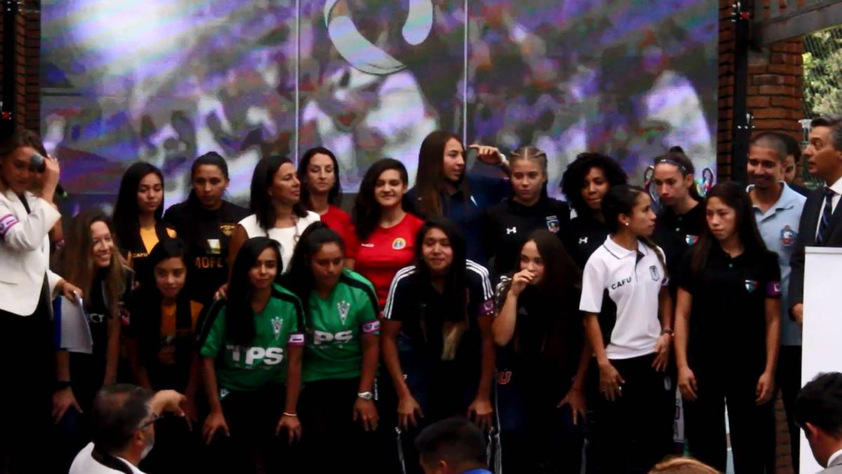 Así fue el lanzamiento de la Primera División Femenina - AS Chile 1327119372b53