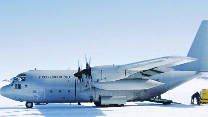 Resultado de imagen para Hercules C-130 Chile png