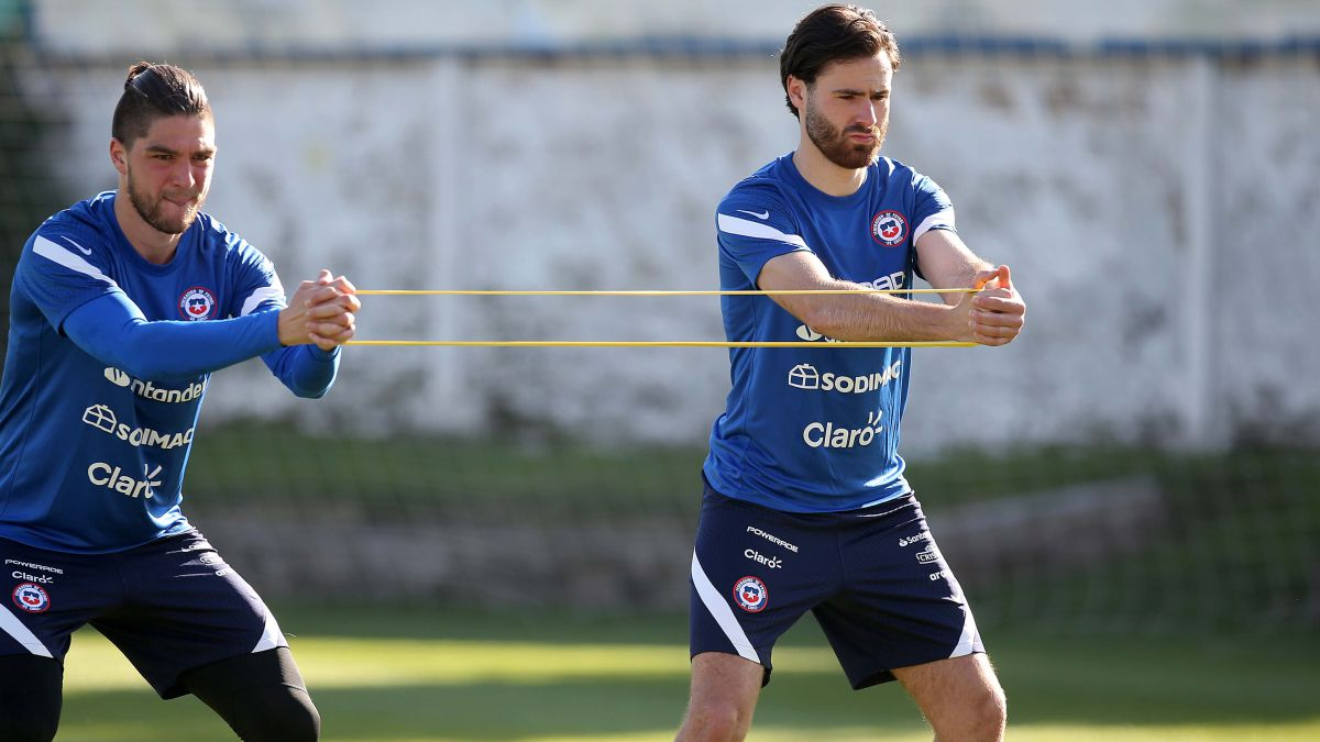 De rival a compañero: Sierralta explica qué le aportará Brereton a la Roja  - AS Chile