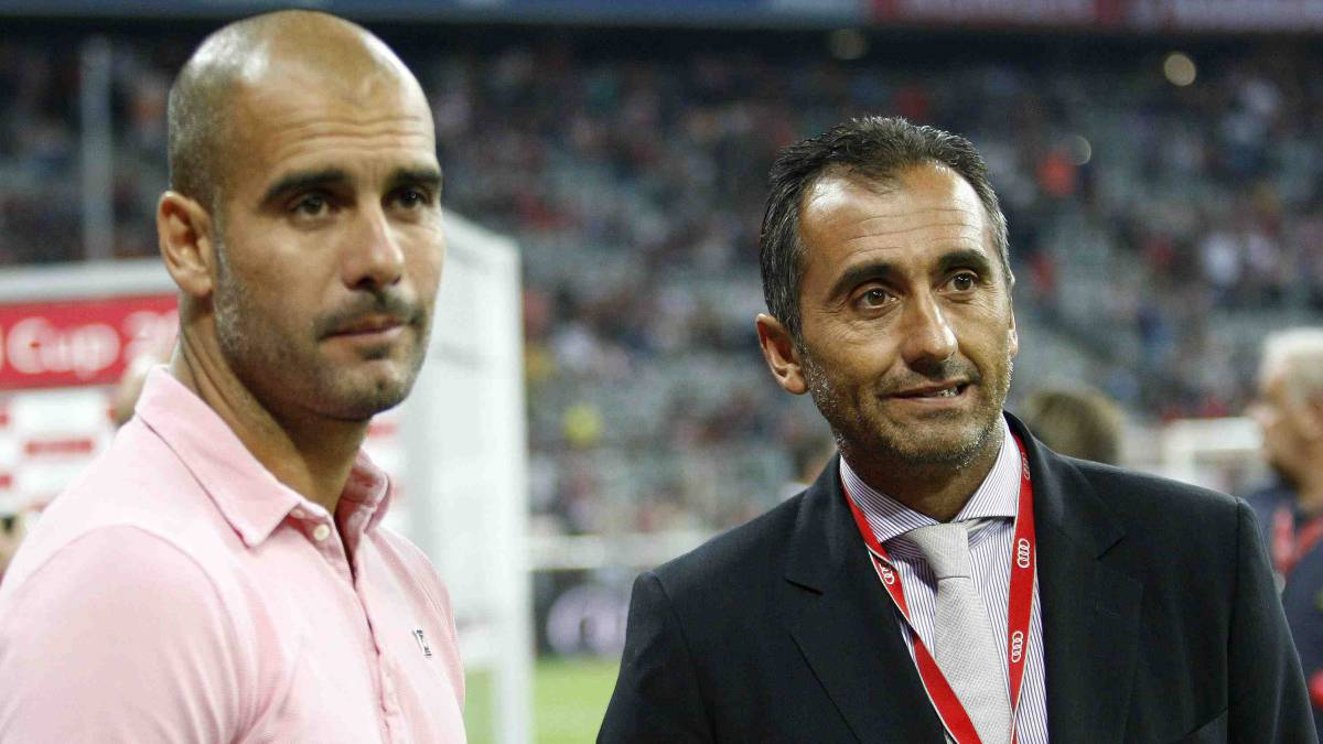 Find out what a coach needs. Manel Estiarteis always very close to Pep Guardiola